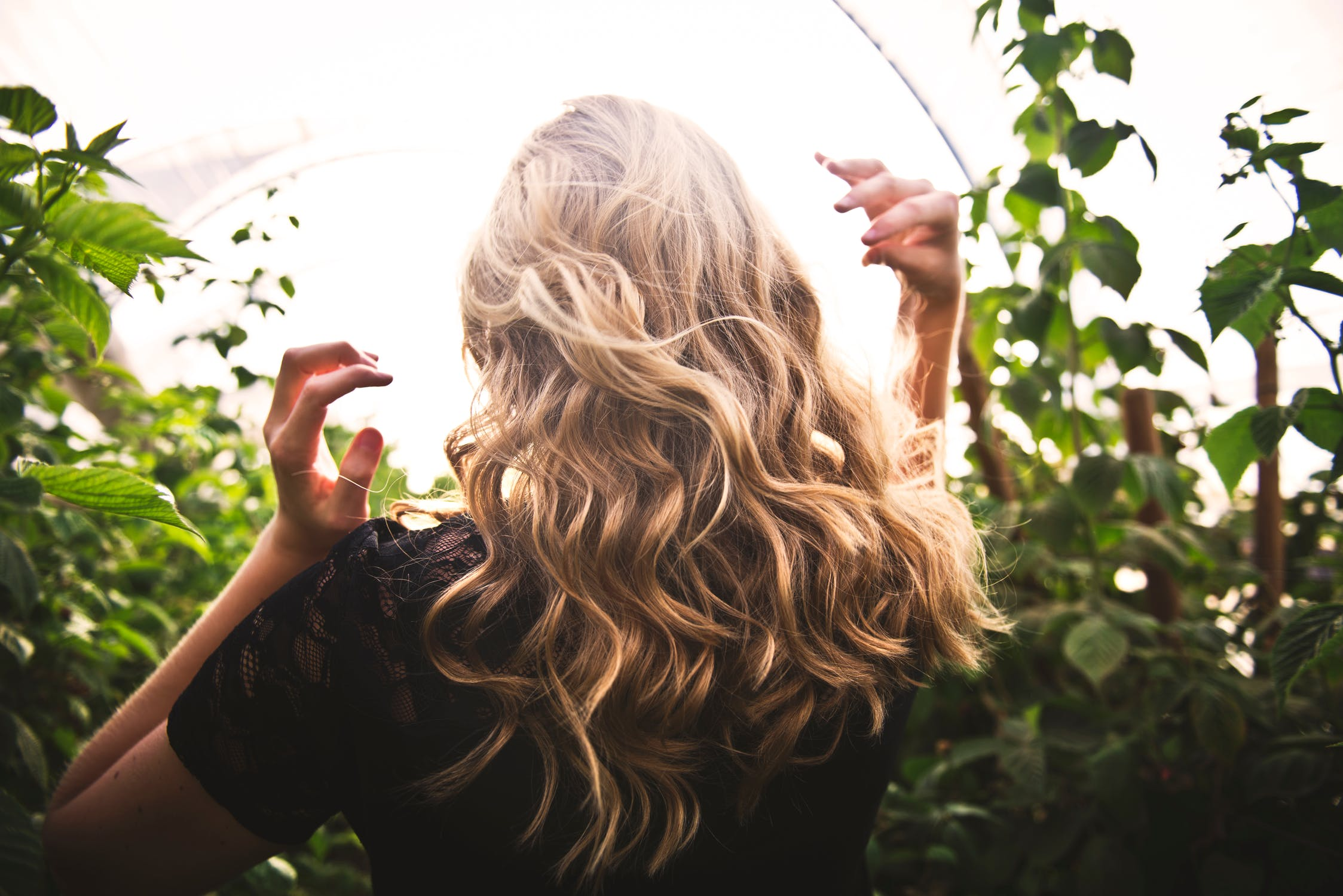 Prevent and Treat Thinning Hair with Viviscal Pro Supplements